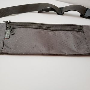 JBYD Bags - 3/$20 JBYD Grey Diamond Slim Fanny Pack
